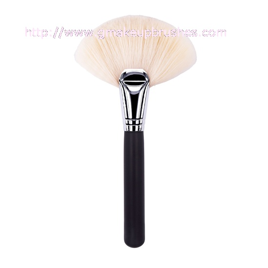K1001 Large Fan Powder Brush